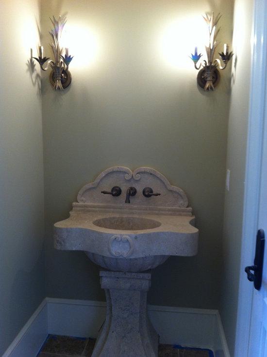 Installations - Hand carved pedestal sink in Travertine marble