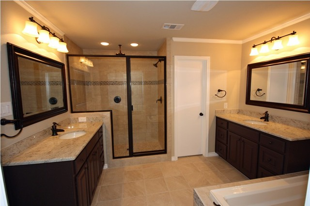 Wagonwheel Master Bathroom traditional-bathroom