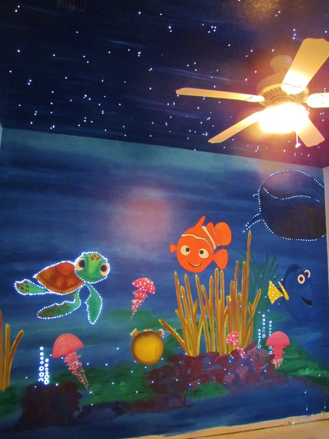 Finding nemo mural nursery orlando by impact for Mural lighting