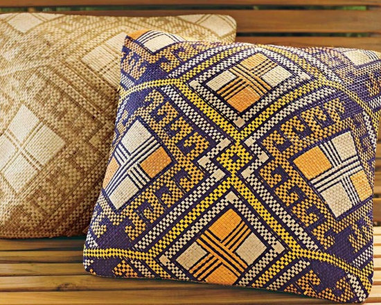 Viva Terra - Pintados Pillow Cover (natural) - Inspired by the colorful patterns of