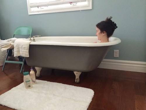 Bath Tub In Bedroom