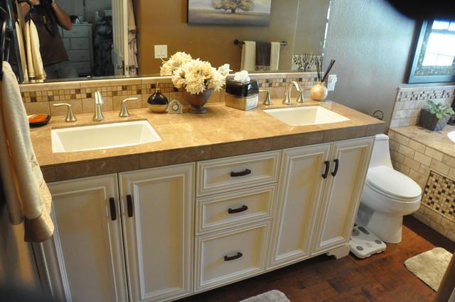 Mediterranean Bathroom Sinks: Bathroom