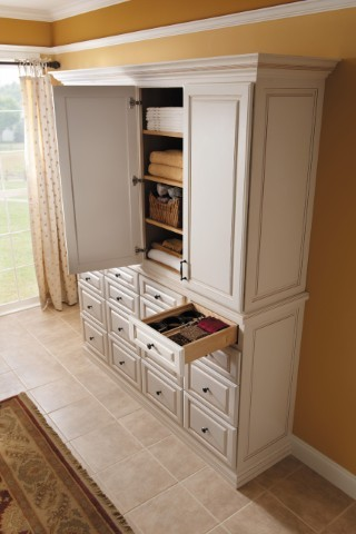 Getting Organized with Fieldstone Cabinetry kitchen-cabinets