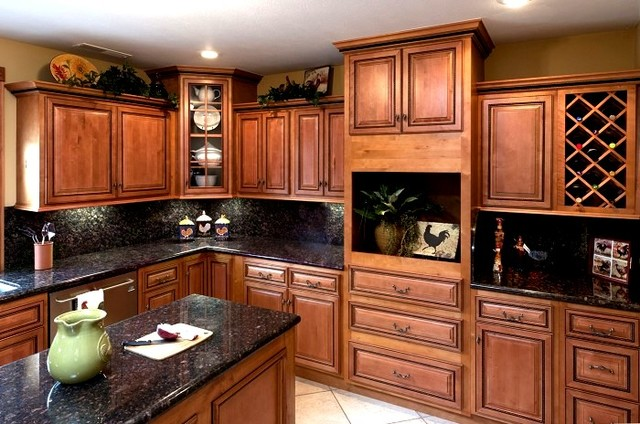 Selected 10 Foot Run Rope Cabinets design Ideas - Traditional - Kitchen Cabinetry - other metro ...