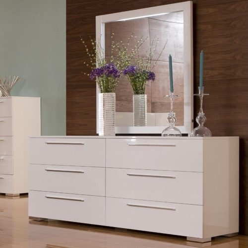 Chico Double Dresser And Mirror Set In White Lacquer
