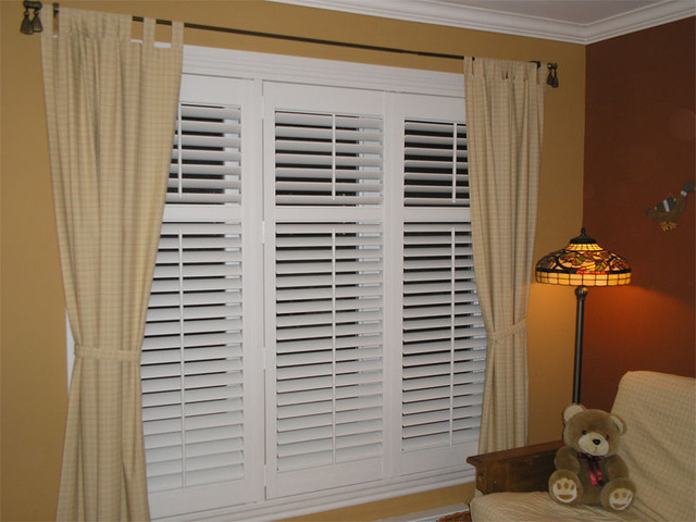 Window treatments traditional-window-blinds