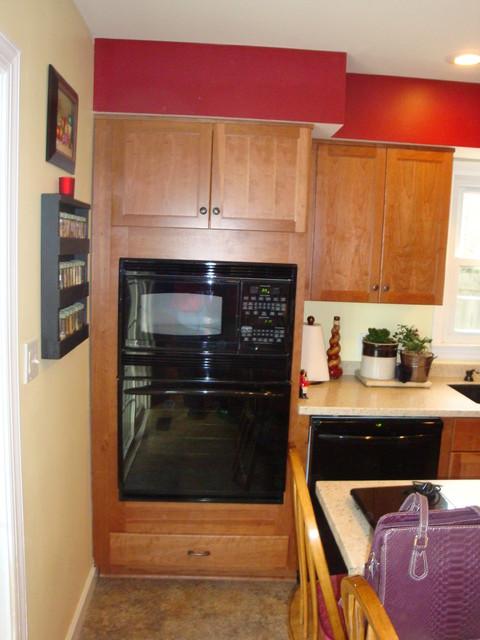 Diamond Hadley Cherry Cider Kitchen traditional-kitchen
