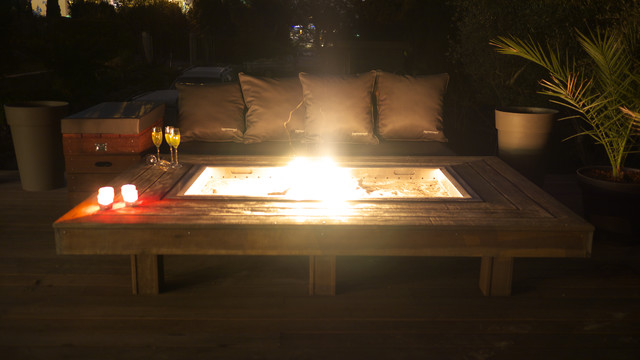 Saharian Firepit by MobEx - A worm light contemporary-fire-pits