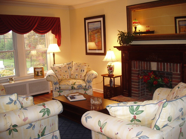 Staging to Sell Random Pics eclectic-living-room