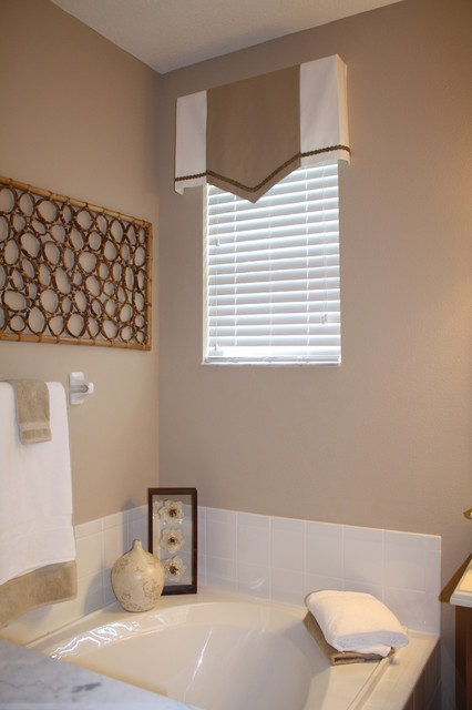 A space to relax...! contemporary-curtains