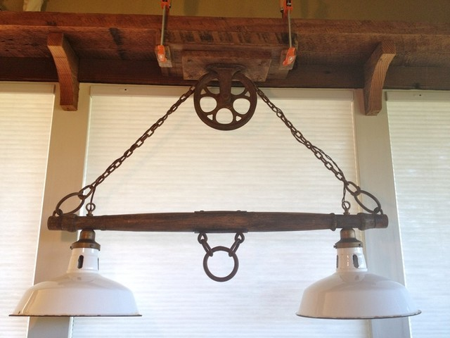 Rustic Yoke Lamp With Pulley Rustic Lighting