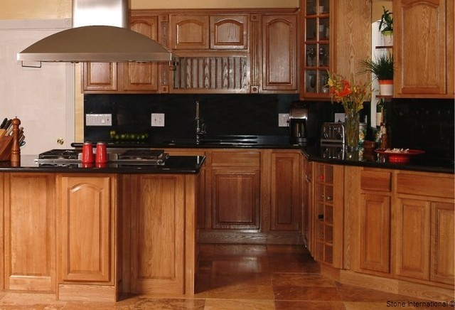 Oak - kitchen cabinets - orlando - by Golden Hammer Cabinet Wholesale