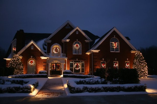 Christmas Lighting Projects Traditional Holiday