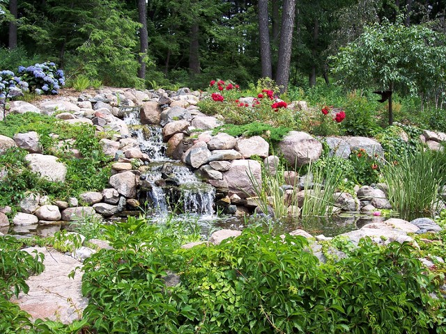 Water Feature traditional-landscape