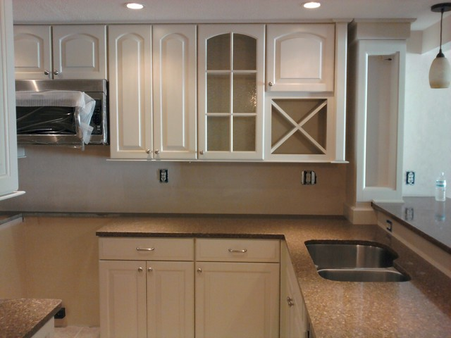 Winchester Cream Glaze Maple Square By Shenandoah Cabinetry traditional-kitchen