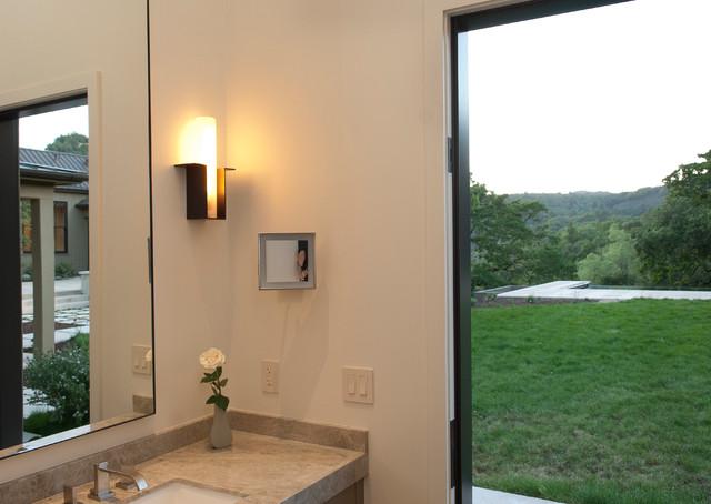 Modern Farmhouse Sonoma farmhouse-bathroom