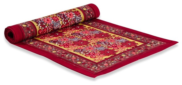 "Candy Flower Runner, Red/Green, 16""x72"" traditional-tablecloths"