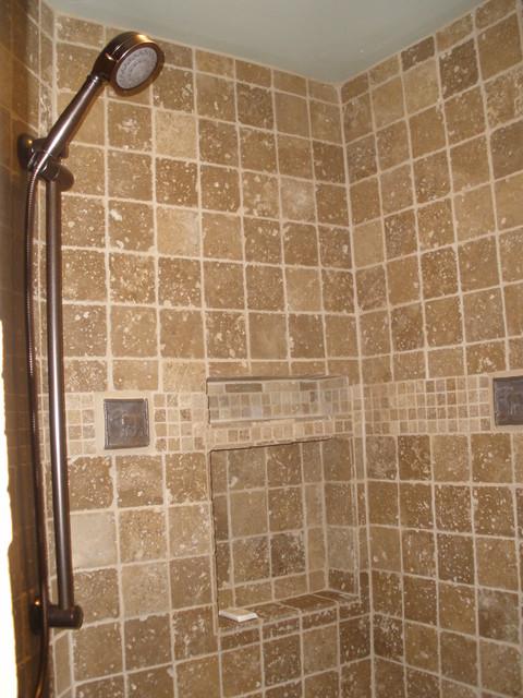 Colter Cabin rustic-bathroom