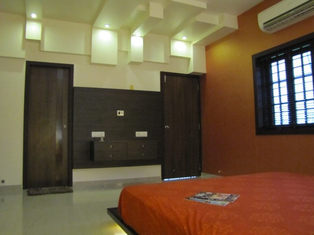 RESIDENCE AT GOTRI, VADODARA contemporary bedroom