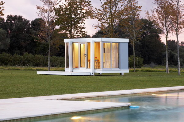 Illinois Outdoor Playhouse modern-outdoor-playhouses