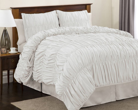 Lush Decor Venetian 3-piece White Comforter Set, Twin -