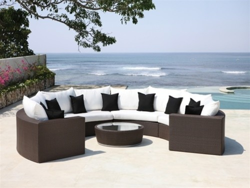 Quebec Brown & White Patio Sectional