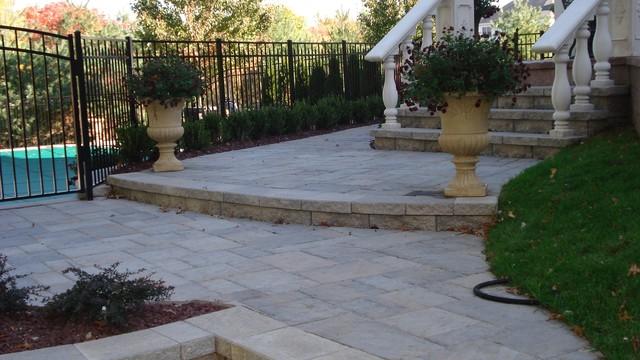 Patios traditional-patio