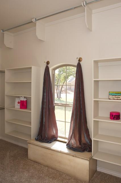Model Home modern-closet