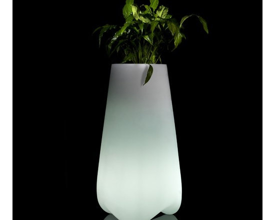 Vondom - Vlek Planter LED, 21-In. | Vondom - Design by Karim Rashid.