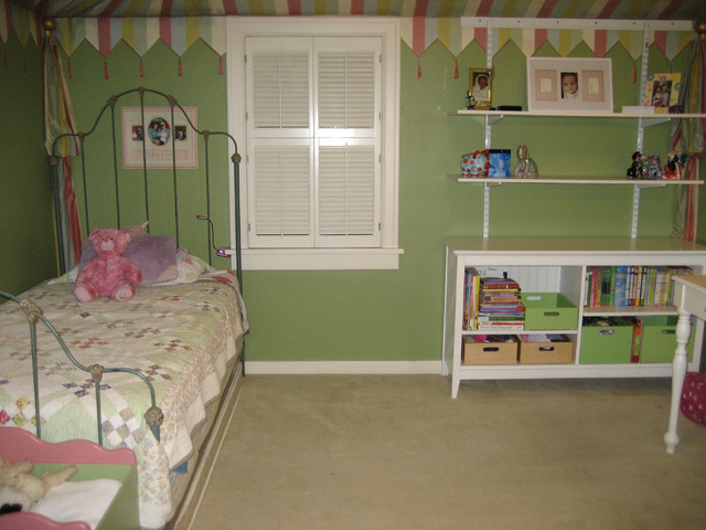 Kids Room Organizing traditional-kids