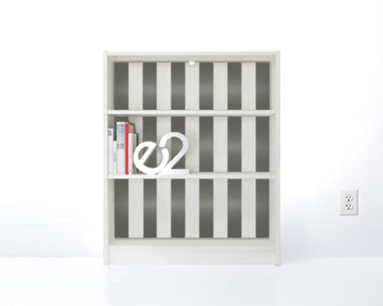 PANYL Brushed Aluminum Thick Stripes for IKEA BILLY - Give your bookcase a bold new look with PANYL Thick Stripes. Easy to apply and no mess!