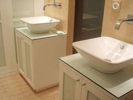 Muebles para lavabos acabado lacado blanco y cristal for Muebles de cristal a medida