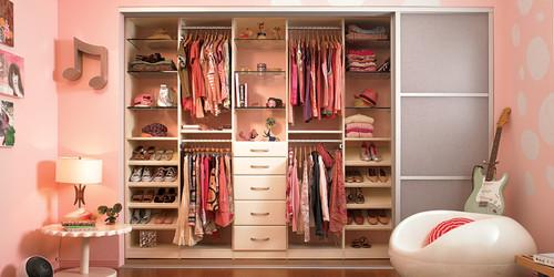 Нужна ли гардеробная в современном доме