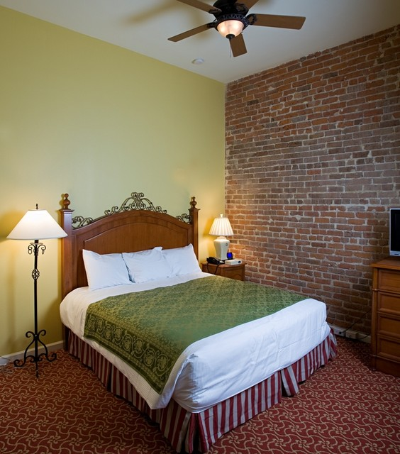 Wyndam Vacation Ownership traditional-bedroom