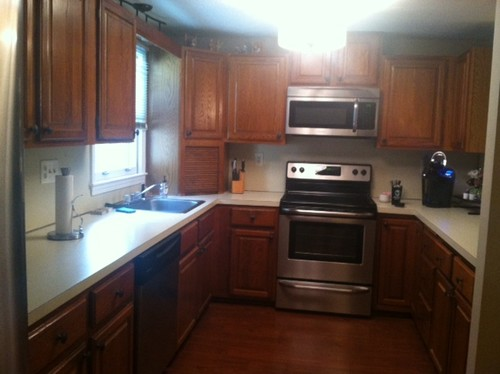 Whats the best way to update oak kitchen cabinets for Best way to refinish oak kitchen cabinets