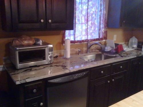 backsplash for a busy kitchen countertop