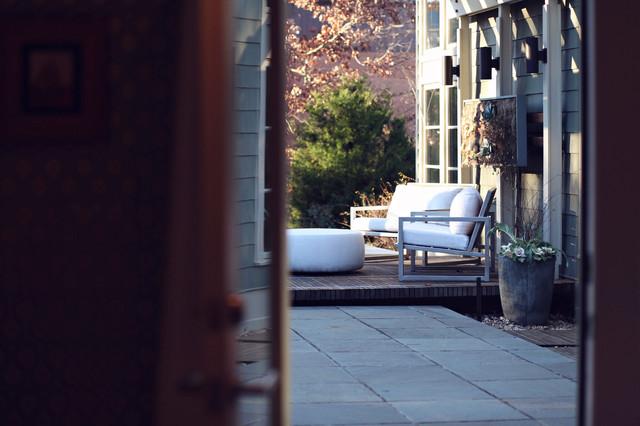 Heather Garrett Design modern-family-room