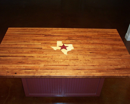WR Woodworking - Mesquite Edge grain wood Center Island with inlay - Mesquite, edge grain center island with maple Texas and purple star inlay.  wrwoodworking.com