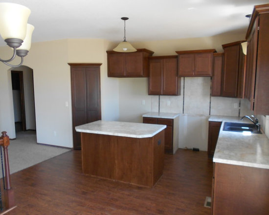 Stone Creek, Derby, KS - 1125 Thornapple, Derby - Kitchen