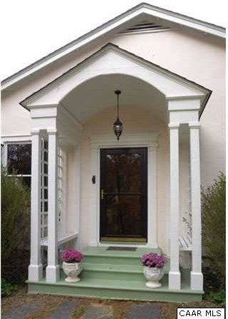 Green Hill ideas traditional-entry