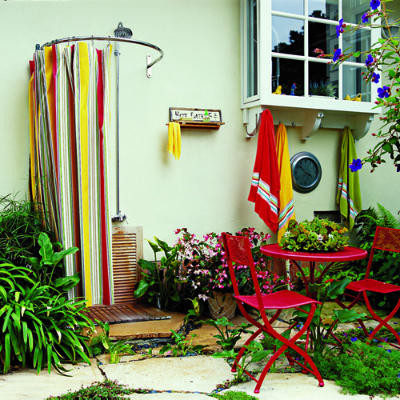 tropical patio Little Luxuries: Outdoor Showers