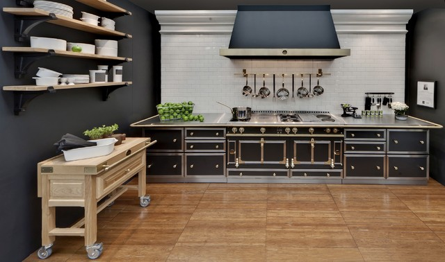 Ch teau range and cabinetry traditional by la cornue - La cornue kitchen designs ...