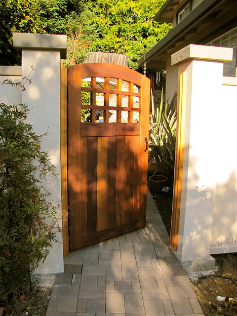 6 Ft Tall Solid Frame Fabric Room Divider 4 Panels: Archtop Portland Side Gate In Stucco Wall
