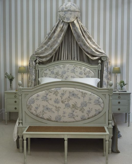 Elysian Middle Bed traditional-beds