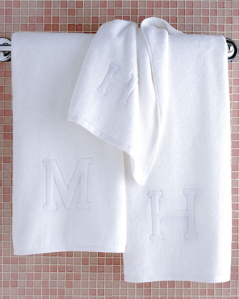 Matouk Auberge Monogrammed Hand Towel traditional-towels