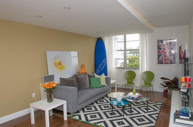 Interior design small apartment contemporary living for Houzz small apartments