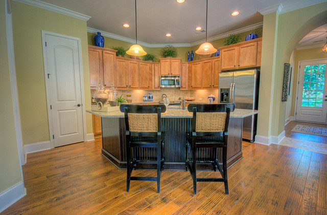 Keowee traditional-kitchen