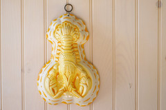 Vintage Ceramic Lobster Mold Yellow Beach by beautifuldetailswed