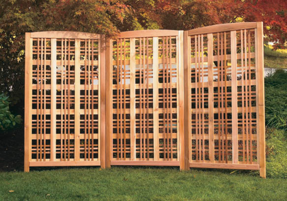 Hampton Landscape Screen traditional-home-fencing-and-gates