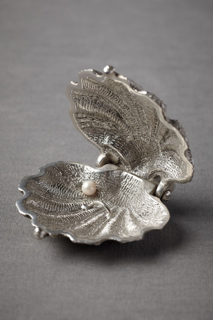 Silvery Seashell Ring Holder tropical bath and spa accessories